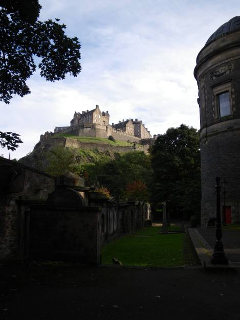 Looking up to the Edinburgh Castle